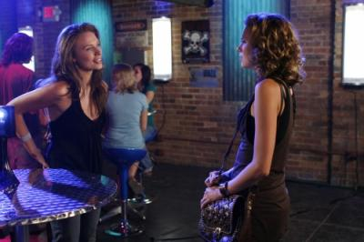 "ONE TREE HILL -  Michaela McManus as Lindsey and Hilarie Burton as Peyton Sawyer ""Racing Like a Pro"""