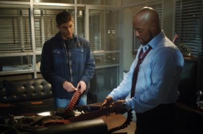 "SUPERNATURAL - Jensen Ackles as Dean Winchester and Charles Malik Whitfield as Sgt Hendriksen in ""Jus In Bello"""