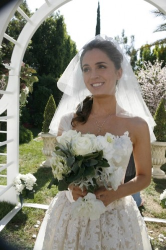 Eliza Dushku Getting Married On Dollhouse Season 2 Photos