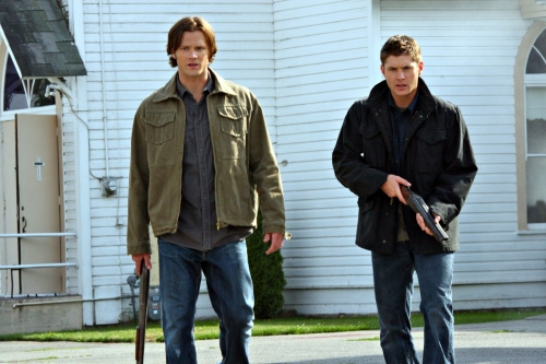 http://www.daemonstv.com/wp-content/uploads/2009/09/SUPERNATURAL-Good-God-Yall-8.jpg