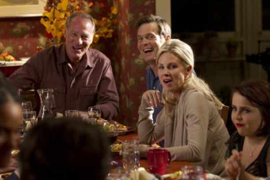 http://www.daemonstv.com/wp-content/uploads/2010/11/PARENTHOOD-Happy-Thanksgiving-3-550x366.jpg
