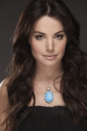 Voltaire, Natalie Caileen Dailèare Erica-Durance