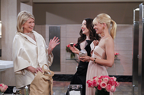 2 Broke Girls And Martha Stewart Have A Ball Episode 23 (13)