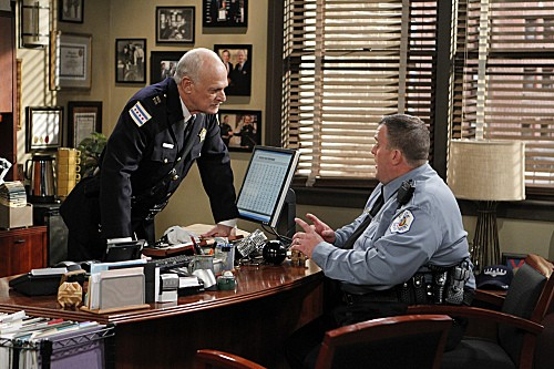 Mike & Molly Season 3 Episode 5 Mike's Boss (4)