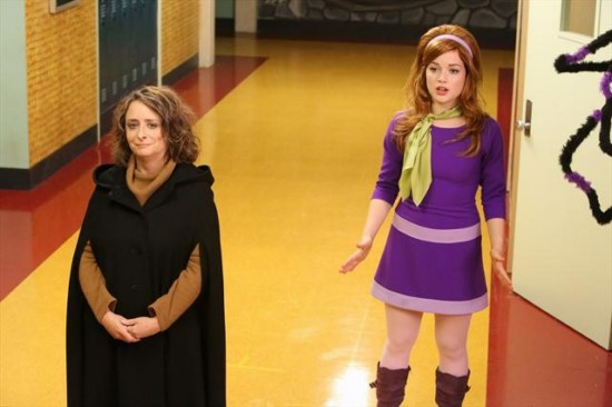 Suburgatory Season 2 Episode 2 The Witch of East Chatswin (4)