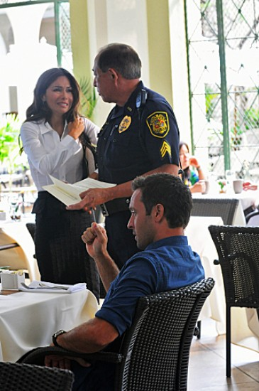 Hawaii Five-0 Season 3 Episode 8 Wahine'inoloa (Evil Woman) (3)