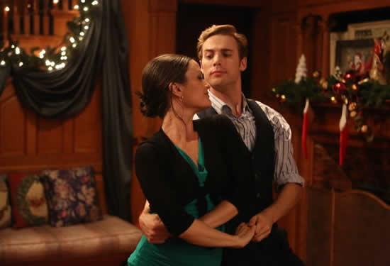 Love at the Christmas Table (Lifetime) (10)
