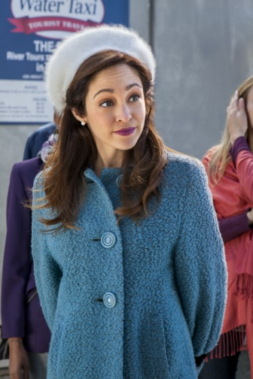 Autumn Reeser love at the thanksgiving parade