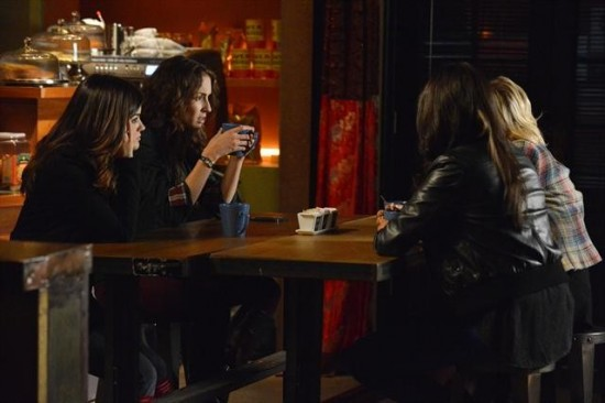 Pretty Little Liars Season 3 Episode 20 Hot Water (6)