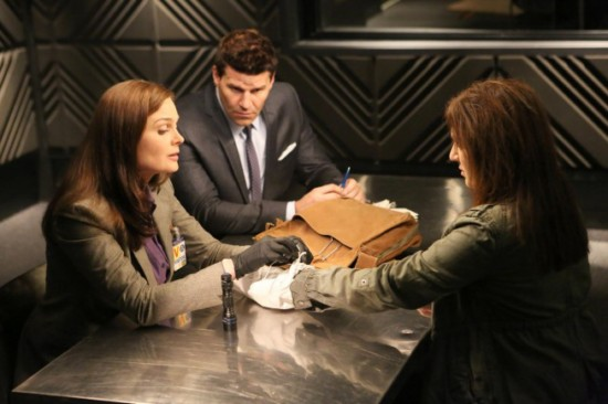 Bones Season 8 Episode 19 The Doom in the Gloom (3)