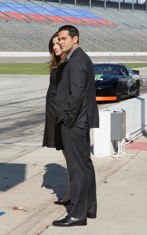 Dallas (TNT) Season 2 Episode 7 The Furious and The Fast (5)