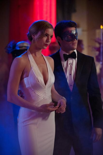 Revenge Season 2 Episode 18 Masquerade (10)
