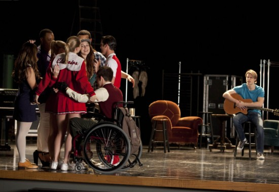 Glee Season 4 Episode 18 Shooting Star 09