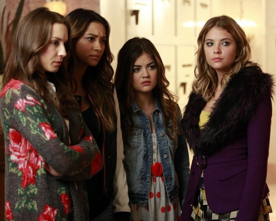 Pretty Little Liars Season 4 Episode 14 Who's in the Box (5)