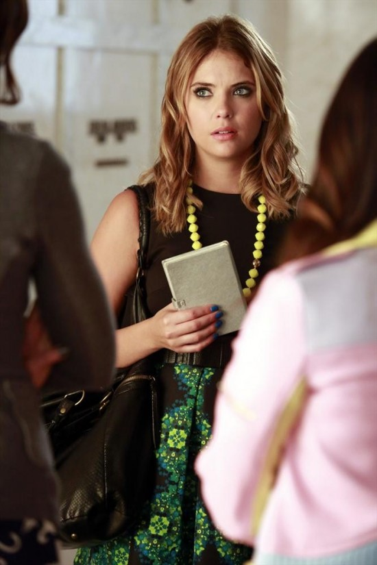 Pretty Little Liars Season 4 Episode 14 Who's in the Box (1)