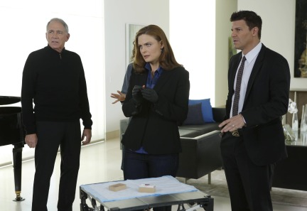 Bones Season 9 Episode 15 The Heiress in the Hill (3)