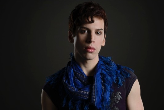 jordan gavaris orphan black thumb