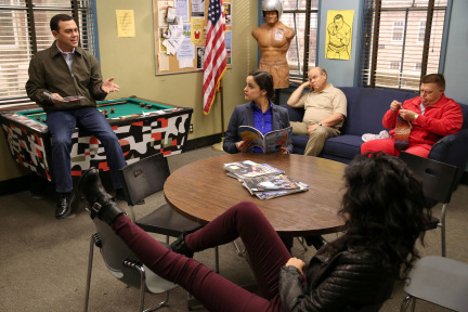 Brooklyn Nine-Nine Season 1 Episode 18 The Apartment (8)